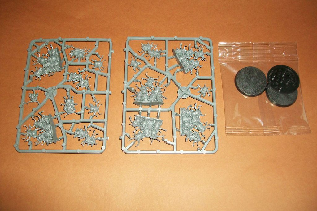 Nurglings on a Sprue | box contents