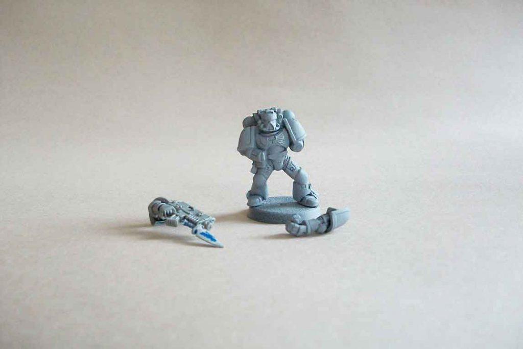 strip paint off of plastic miniatures - dettol